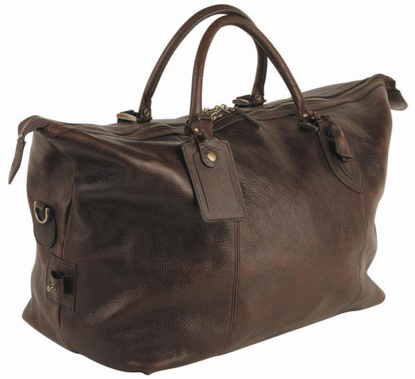Let Dad explore with this Barbour luxury leather travel weekend bag